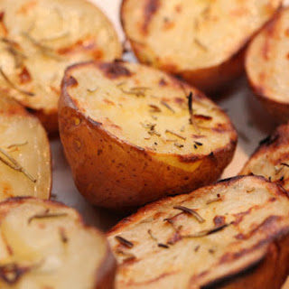 Roasted New Potatoes with Garlic, Rosemary & Seasalt