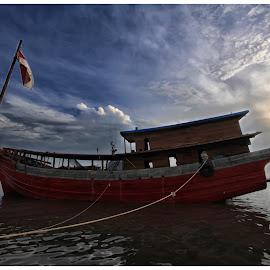 Nenek Moyangku Seorang Pelaut by Galih Wicaksono - Transportation Boats