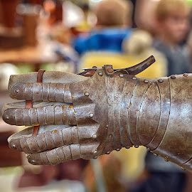 Metal Glove by Marco Bertamé - Artistic Objects Other Objects ( metal, glove, blur, medieval, sdof, knight,  )