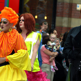 Different  strokes by Gordon Simpson - People Street & Candids