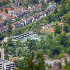 KaWeDe as seen from Gurten, Mai 17 by Augustin Anic - City,  Street & Park  Vistas ( vistas, swimming pool, switzerland, spring, capital )