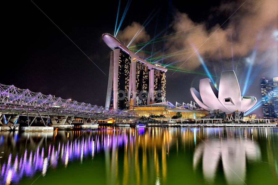 The Amazing Singapore Laser Show by Akira Nickname - News & Events World Events ( famous landmarks )