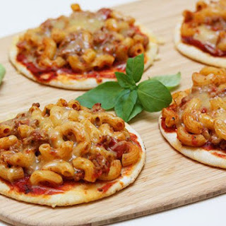 Mini Macaroni Bolognese Pizza