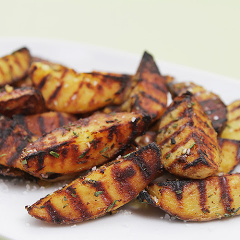 Grilled Potatoes With Rosemary, Garlic And Coarse Sea Salt