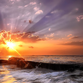Rays of Light by Bigg Shangkhala - Landscapes Sunsets & Sunrises ( bali, rol, sunrise, beach, pwcsunbeams, light, rays, sun )