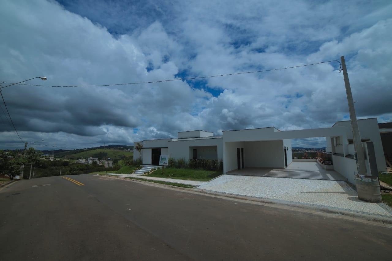 Casa térrea no Condomínio Villagio Padadiso- Itatiba-SP