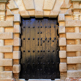 Historical by Gil Reis - Buildings & Architecture Other Exteriors ( doors, places, stonetravel, old, stone )