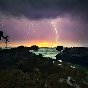 Mengening Lightning by Hendri Suhandi - Landscapes Weather ( clouds, flash, bali, lightning, sunset, storm, thunderbolt )