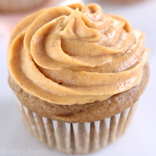 Maple Cupcakes with Pumpkin Pie Frosting