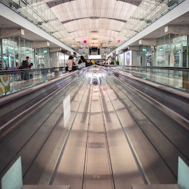 Perspective by Alexander Nainggolan - Buildings & Architecture Other Exteriors ( bangkok, airport, thailand, perspective, escalator )