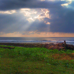 ray of light by HeRy Zal - Instagram & Mobile iPhone