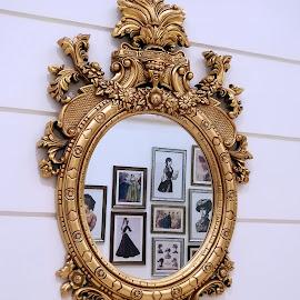 Mirror mirror by Pradeep Kumar - Artistic Objects Glass