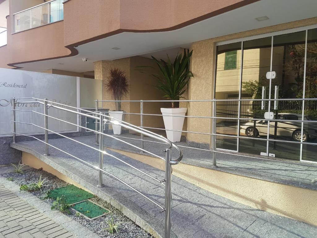 Apartamento com 3 dormitórios à venda, 121 m² por R$ 488.000 - Meia Praia - Itapema/SC