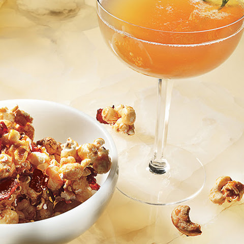 Bacon and Cashew Caramel Corn