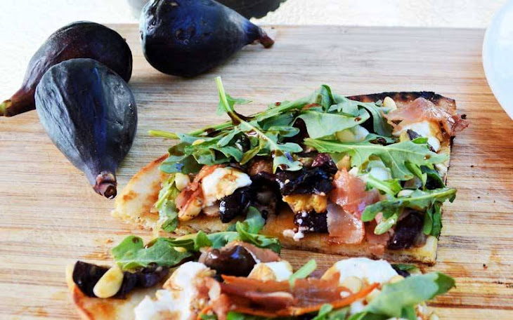 Easy Grilled Fig, Prosciutto, and Goat Cheese Naan Flatbread Recipe ...
