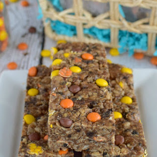 Peanut Butter Cookies and Cream Granola Bars