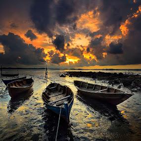 ::. Extreme .:: by Ahmad Zulharmin Fariza - Transportation Boats