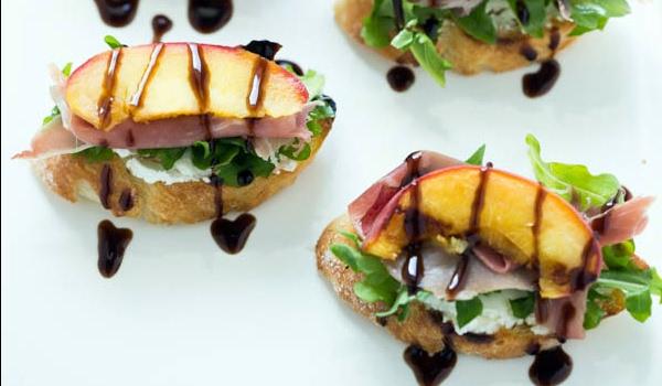 Grilled Peach Crostini with Arugula, Prosciutto and Goat Cheese Recipe ...
