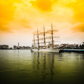 Museum of Maritime Science by Abhishek Nag - Instagram & Mobile Android ( coloured, ship, seascape, painting, masts )