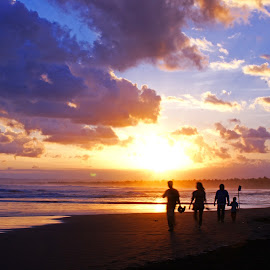 Sunset Pangandaran by Mulawardi Sutanto - Landscapes Sunsets & Sunrises ( hebat, keren, bagus, pantai, beach, sunset, pangandaran, cakep, travel )