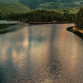 Barajul Oașa - România. by Zaharescu Dragos - Landscapes Waterscapes