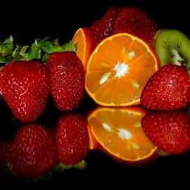 orange,kiwi and strawberry by LADOCKi Elvira - Food & Drink Fruits & Vegetables ( kiwi )