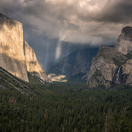 Tunnel View by Jeff Fahrenbruch - Landscapes Mountains & Hills ( national park, half dome, tunnel view, california, el capitan, yosemite national park )