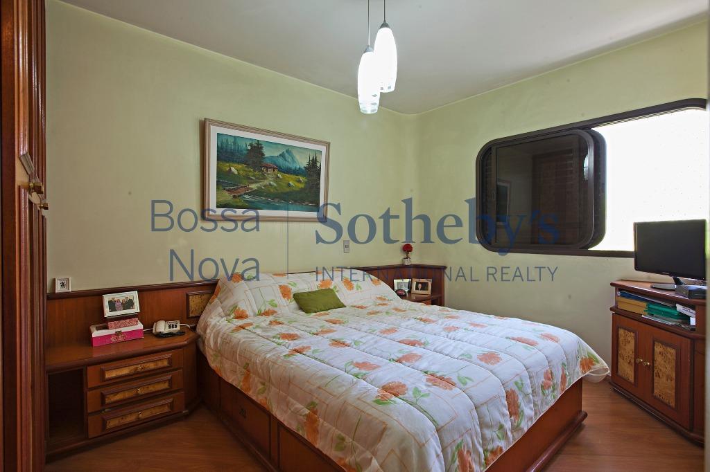 Apartamento Ensolarado em Moema