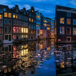 Night at Oudezijds Voorburgwal_resize.jpg
