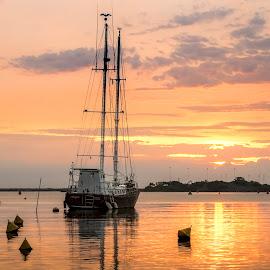 Sunrise with Boat by Rqserra Henrique - Transportation Boats ( clouds, water, brazil, rqserra, colorfull, beach, sunrise, boat )