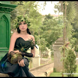 Leaves Queen by Indra Wahyudi - People Fashion