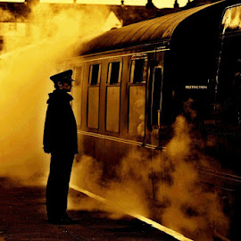 Steamy    reflections by Gordon Simpson - Transportation Trains