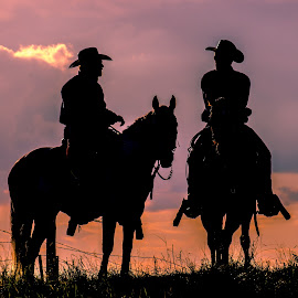 A Western Conversation by Gary Hanson - People Street & Candids ( horseback, saddle, cowboys, hilltop, conversation, evening )