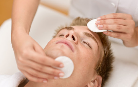 Deep chemical peel in Manchester