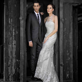 moment in love by Neny Nuraini - Wedding Bride & Groom
