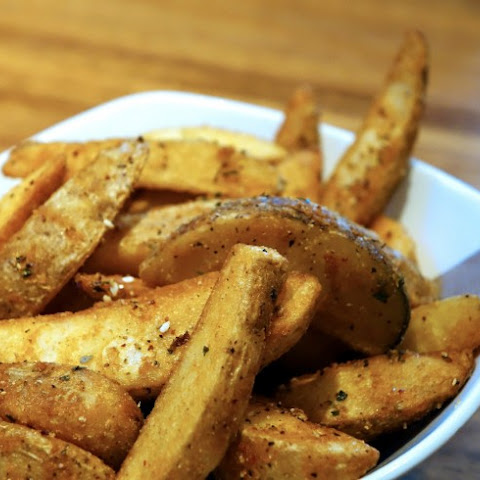 Oven-Crisp Baked Potato Wedges