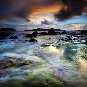 Bay Breeze by Carlos David - Landscapes Waterscapes