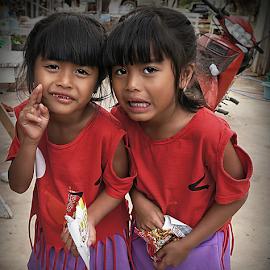 Twins by Ian Gledhill - Babies & Children Child Portraits ( child, girls, thailand, asia, children, people, portrait,  )