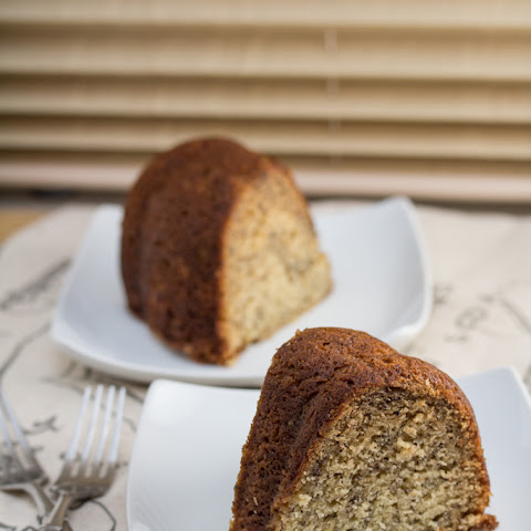 The Best Banana Bundt Cake