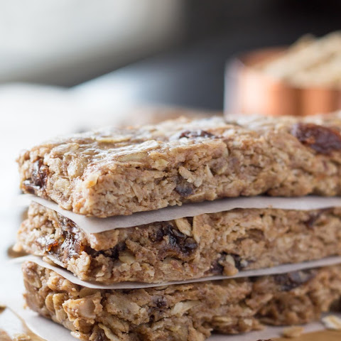 Oatmeal Cookie Granola Bars
