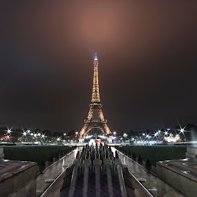 Trocadero by Fokion Zissiadis - City,  Street & Park  City Parks ( paris champs elysees night photography, city, night )