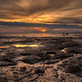 Jeram Sunset by Zakaria Sahli - Landscapes Sunsets & Sunrises ( canon, sunset.landscape, malaysia, jeram, zecksasuke )