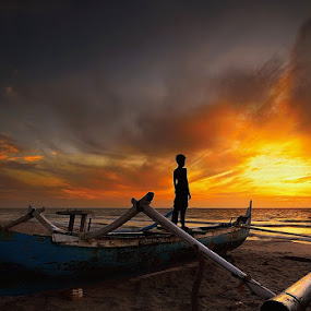 standing sunrise by Dody Herawan - Babies & Children Children Candids ( sunset, beach, sunrise, boat )