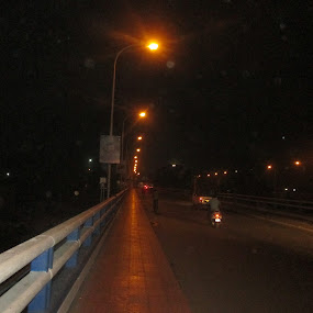 Bridge of light and shadow by Kamal Nuhiwal - City,  Street & Park  Night ( siliguri, nighttime in the city, mahananda, night life, park at night, street at night, kamal nuhiwal, night, city at night, nightlife, light and shadow )