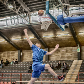 by Nando Scalise - Sports & Fitness Basketball