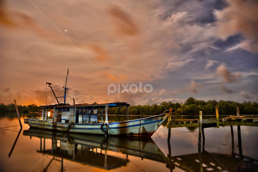 Kampong Batu Putih Sandakan by Armie YS Yusop Teppo - Transportation Boats