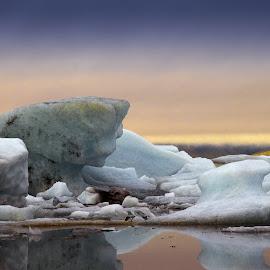 Jökulsárlón by Hraunið      Hekla - Landscapes Waterscapes ( iceland, lagoon, icebergs, jökulsárlón )