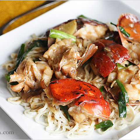 Lobster Yee Mein Recipe (Lobster Noodles with Ginger and Scallions)