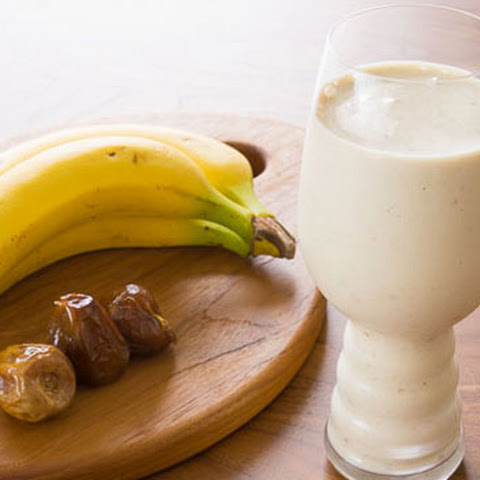 Banana Date Tahini Smoothie