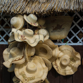 Capelinas cubanas by Lidia Noemi - Artistic Objects Clothing & Accessories ( artesanias, sol, capelinas, sombreros, venta, cuba,  )